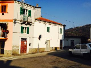 No. 29 Serramonacesca -Traditional Village House - Serramonacesca vacation rentals