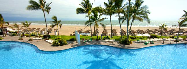 Nuevo Vallarta Luxury Resort Weekly w/Car 0013 - Image 1 - Nuevo Vallarta - rentals