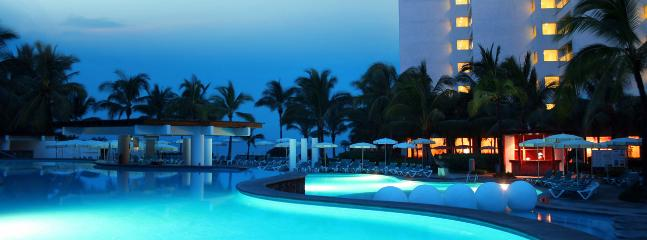 Puerto Vallarta Luxury Weekly w/ Car 0011 - Image 1 - Puerto Vallarta - rentals