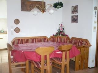 Nice Bungalow with Deck and Internet Access - Losheim am See vacation rentals