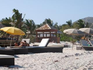 Beach front studio in orient bay - Orient Bay vacation rentals
