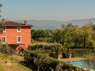 Huge, recently restored farmhouse. Impressive kitchen. Close to Lucca. SAL FLO - Lucca vacation rentals
