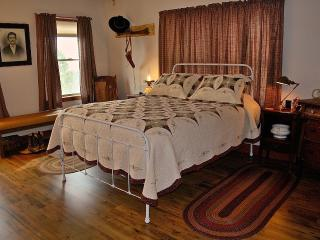 White Tail Ridge Bed & Breakfast - Wil's Bunk - Hermosa vacation rentals