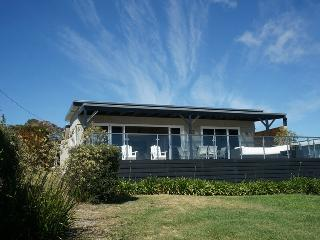 Perfect 3 bedroom House in Binalong Bay - Binalong Bay vacation rentals