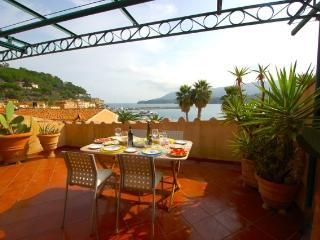 Perfect 2 bedroom Condo in Porto Azzurro with A/C - Porto Azzurro vacation rentals