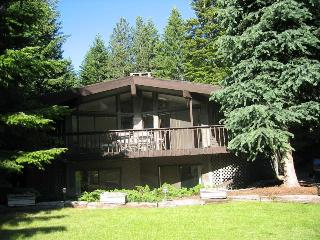 Spacious 5 bedroom House in Ronald - Ronald vacation rentals