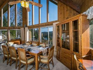 Lake View*Walk 2 Lakes/Village/Blue Jay*Pool Table - Lake Arrowhead vacation rentals
