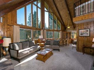 Lake View*Walk 2 Lakes/Village/Blue Jay*Pool Table - Lake Arrowhead vacation rentals