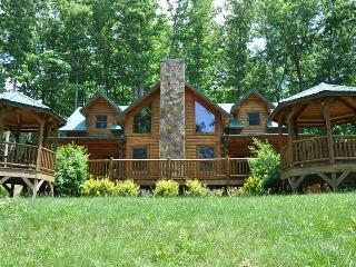 Cherokee Timber Lodge - What a View! Experience the Mountains in Comfort Minutes from the National Park and Harrahs Casino - Whittier vacation rentals