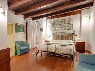 Beautiful spacious apartm, 2 bedrooms, 1,5 bath. - Florence vacation rentals