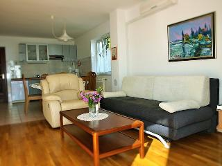 Apartment with seaview for 2+2 in Icici - Icici vacation rentals