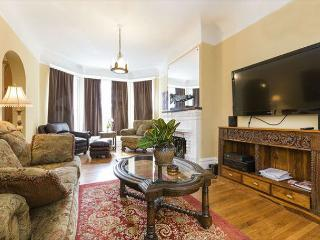 Luminous Haight-Ashbury Victorian W/Parking - San Francisco vacation rentals