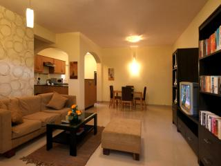 Perfect Resort with A/C and Satellite Or Cable TV - Goa Velha vacation rentals
