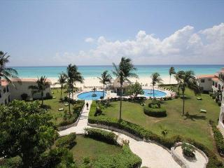 Oceanfront Center Penthouse with pool 2 bedroom in Xaman Ha (Xh7208) - Playa del Carmen vacation rentals