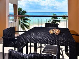Spacious beachfront condo; 1-bdrm, 2-bathroom (EFS308) - Playa del Carmen vacation rentals