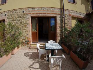 Cipresso bedsit house in Tuscany Chianti Hills - Castelnuovo Berardenga vacation rentals