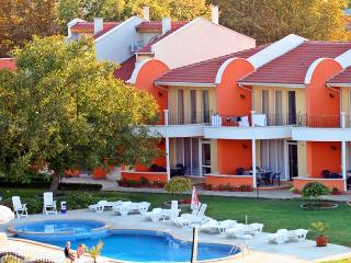 3 bedroom Apartment with Internet Access in Kranevo - Kranevo vacation rentals