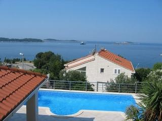 Nice Villa with Internet Access and Dishwasher - Plat vacation rentals