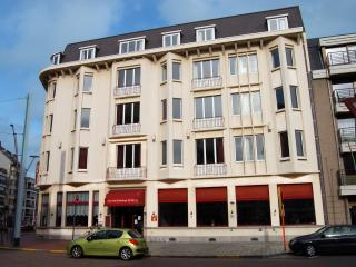 "Twin Room ""Comfort"" in Value Stay Blankenberge - Blankenberge vacation rentals"