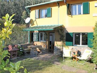 Lovely Cottage with Internet Access and Satellite Or Cable TV - Estreito de Camara de Lobos vacation rentals
