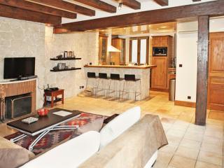 Rustic Apartment Rental at Notre Dame - Paris vacation rentals