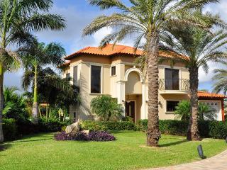 Gold Coast Luxury  4 bedroom Villa at Malmok - Malmok Beach vacation rentals