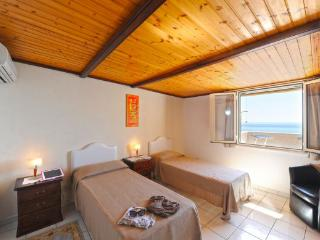 Gorgeous 2 bedroom House in Praiano - Praiano vacation rentals