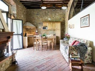 Romantic House with Internet Access and Shared Outdoor Pool - Tavarnelle Val di Pesa vacation rentals