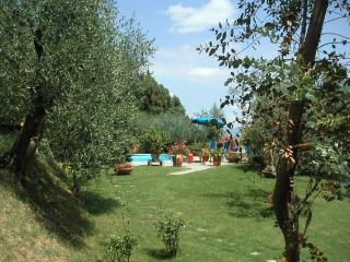 Lovely 2 bedroom House in Lucignano with Internet Access - Lucignano vacation rentals