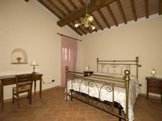Charming House with Internet Access and Shared Outdoor Pool - Volterra vacation rentals