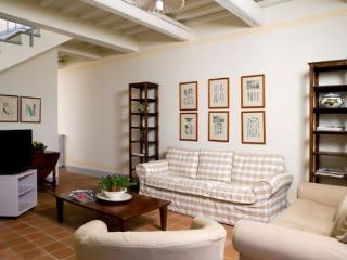 Charming House with Internet Access and Shared Outdoor Pool - Lamporecchio vacation rentals