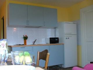 Bright 2 bedroom House in Sorrento - Sorrento vacation rentals
