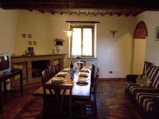 Lovely 4 bedroom Ambra House with Internet Access - Ambra vacation rentals
