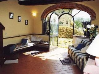 Lovely 2 bedroom House in Castiglion Fiorentino - Castiglion Fiorentino vacation rentals