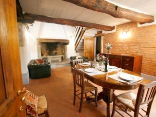 Giaggiolo R2 - Castiglion Fiorentino vacation rentals
