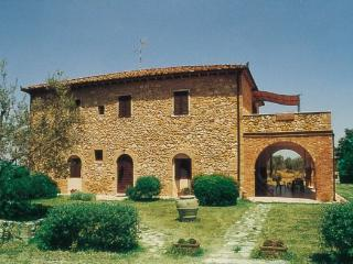 Bright House with Internet Access and Dishwasher - San Gimignano vacation rentals