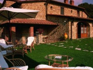 Gorgeous House with Internet Access and Balcony - Arezzo vacation rentals