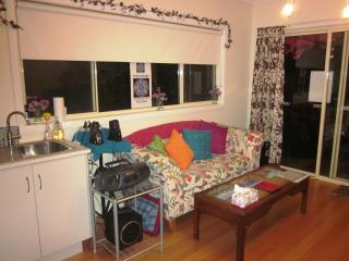 Great value charming 4-room suite - Glen Waverley vacation rentals