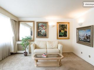 Smart 1 bed on Queen Anne Street, Marylebone - London vacation rentals