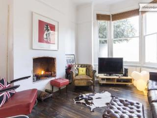 4 bed house with garden on Hetherington Road, Clapham - London vacation rentals