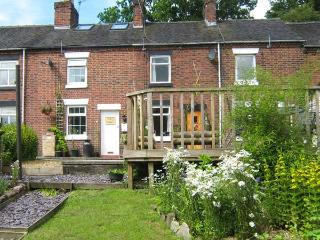 DAISY COTTAGE, woodburner, canal views, pub within walking distance, walks and - Cheddleton vacation rentals