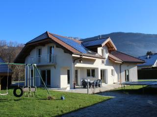 Country House by side ANNECY  French Alps - Naves-Parmelan vacation rentals