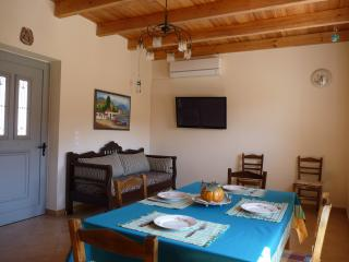 2 bedroom House with Internet Access in Kefali - Kefali vacation rentals