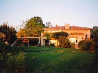 Beautiful Gironde Estuary view - house w/pool - Begadan vacation rentals