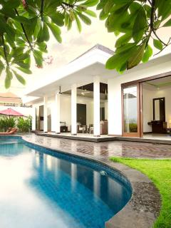 Nice Villa with Internet Access and Grill - Tanjungbenoa vacation rentals