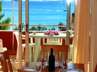 Villa San Marino Apartment 5 for 5 with AC - 30m from the sea - Pakostane vacation rentals