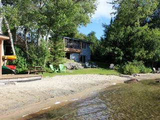 Halls Lake Cottage - Dwight vacation rentals