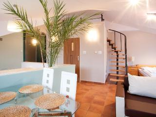 HAVANA CLUB STUDIO AT KAZIMIERZ - Krakow vacation rentals