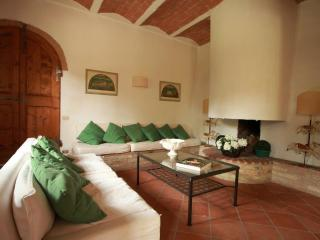 Lovely Condo with High Chair and Television - Province of Florence vacation rentals