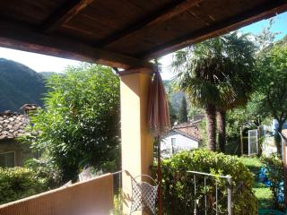 Beautiful Cottage with Balcony and Mountain Views - Pescaglia vacation rentals